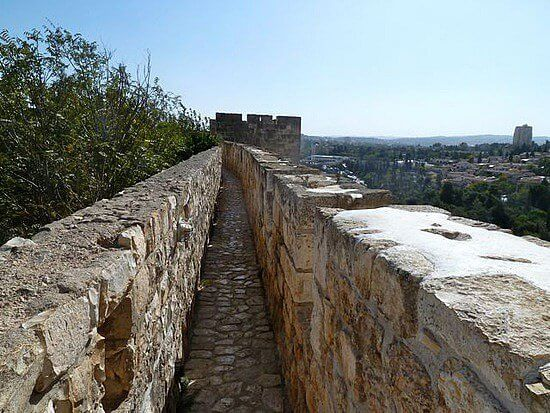The Southern Ramparts Walk_2